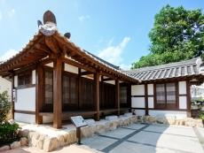 Soe-Ttong-Gol (a village schoolhouse) 1